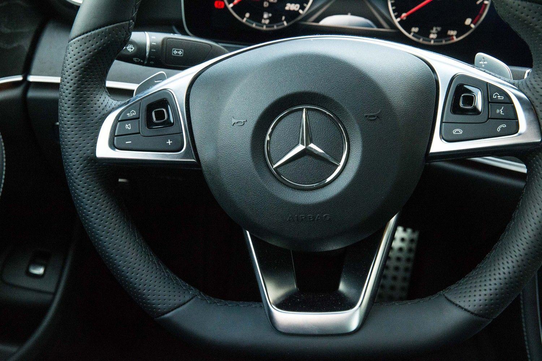"""""""Mercedes-Benz"""" pateko į teisėtvarkos akiratį"""