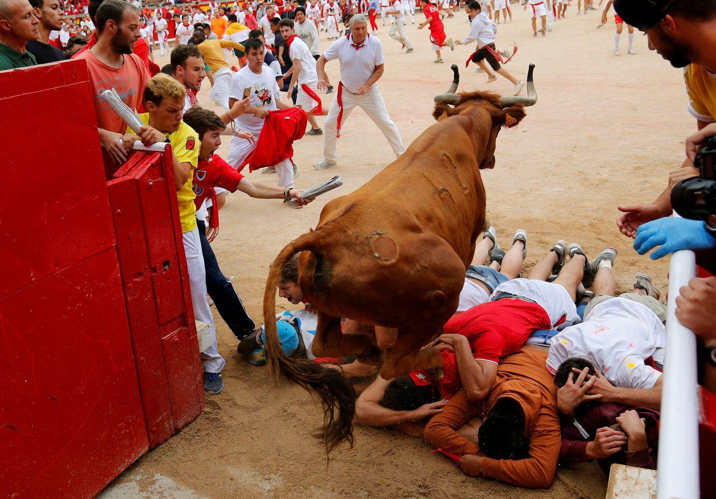 Pamplonos festivalis baigėsi be aukų, tačiau ne be kraujo