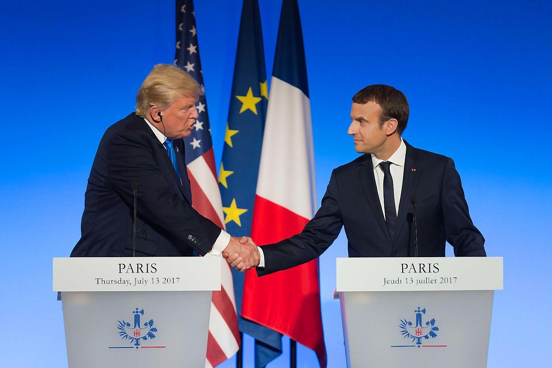 Trumpas ir Macronas Paryžiujenustūmė nesutarimus į šalį