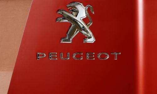 """""""Peugeot"""" stiprėja: pardavimai per pusmetį ūgtelėjo 15%"""
