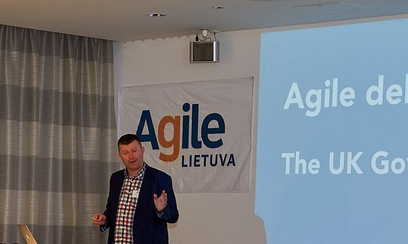 """Tomas Loosemore'as, JK skaitmeninių paslaugų ekspertas. """"Agile Lietuvos"""" nuotr."""