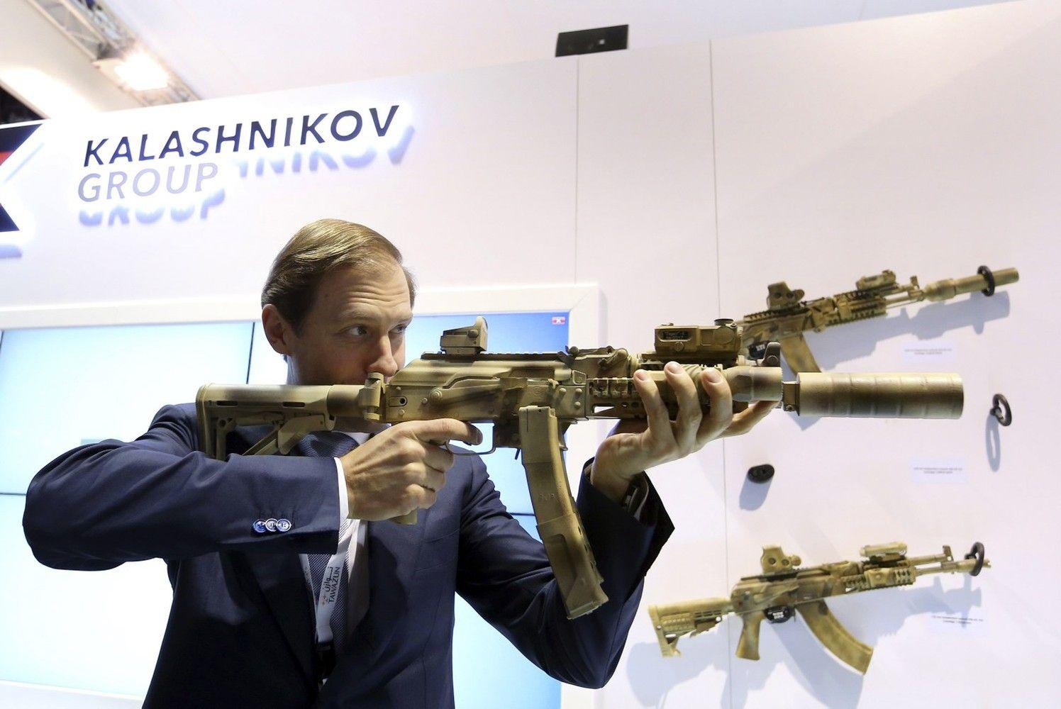 """Sankcijos nė motais: ginklų gamintoja """"Kalashnikov Concern"""" sparčiai atsigauna"""