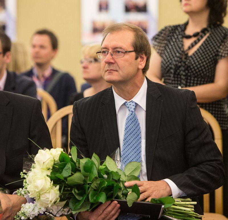 Viktoras Uspaskichas teigia, kad jau yra parašęs prašymą įstoti į Darbo partiją. Juditos Grigelytės (VŽ) nuotr.