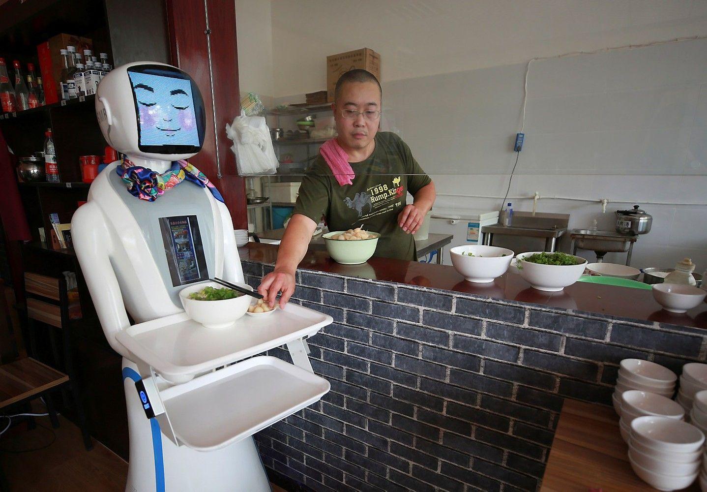 Kaip robotai augina socialinę atskirtį