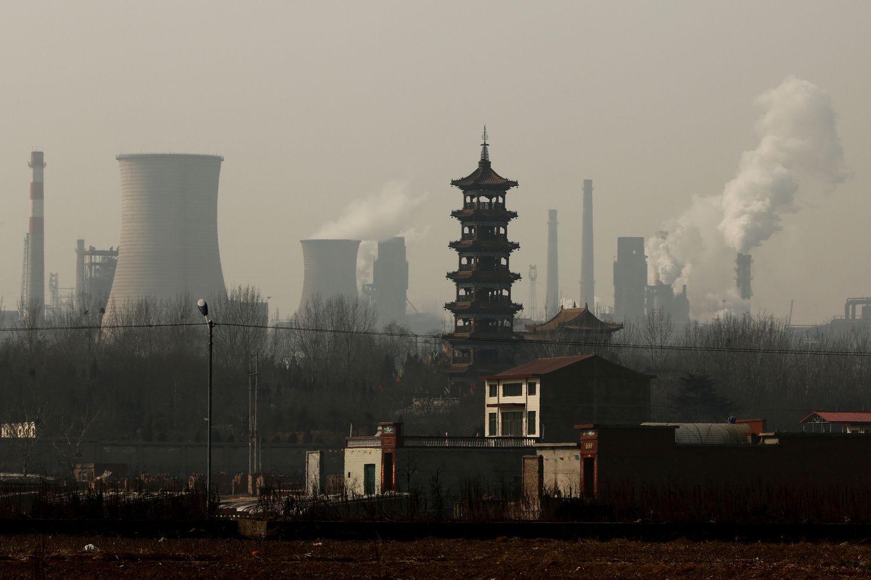 Kinijos ekonomikos augimas spartesnis pirmą kartą nuo 2010-ųjų
