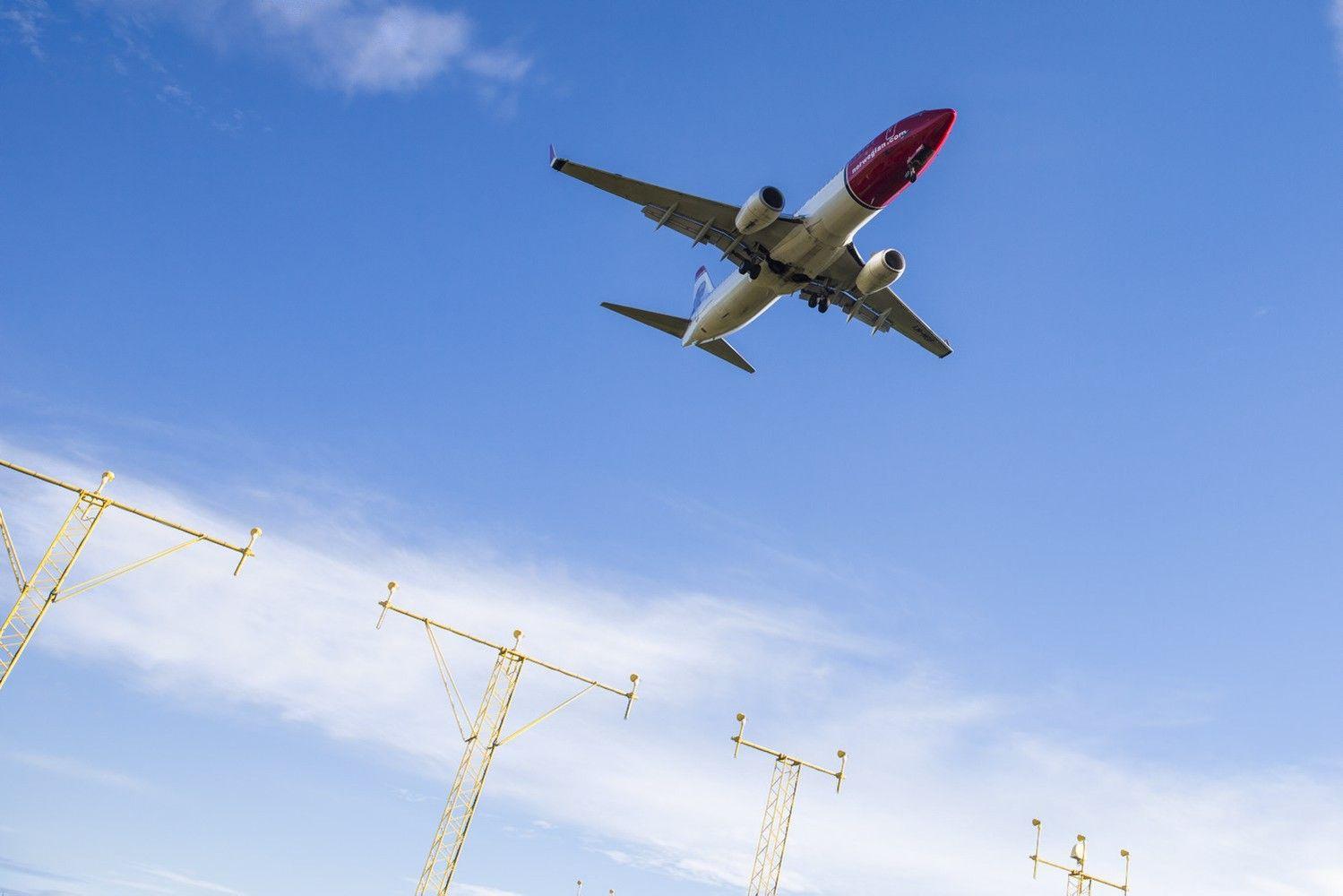 Kova dėl transatlantinių skrydžių: pigiosios oro linijosdidina spaudimą