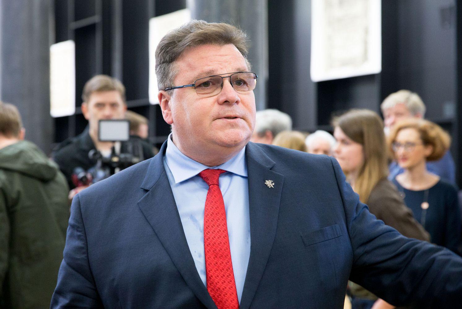Švelnins reikalavimus Lietuvoje dirbantiems užsienio bankams