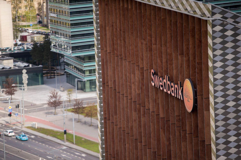 """""""Swedbank"""" Lietuvoje per pusmetį uždirbo penktadaliu daugiau"""