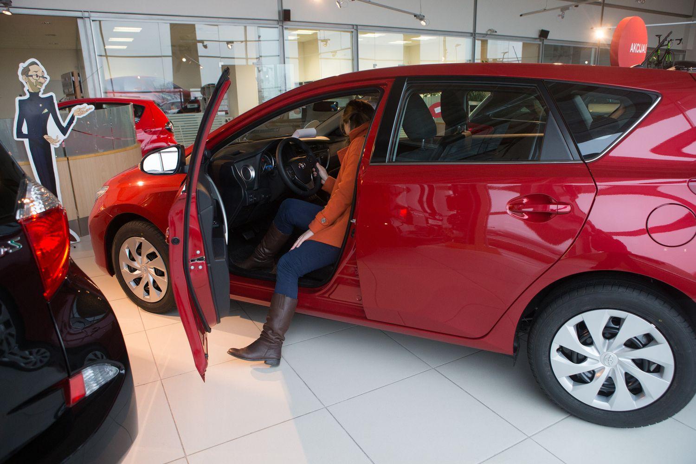 Naujų automobilių pirko daugiau nei tikėtasi