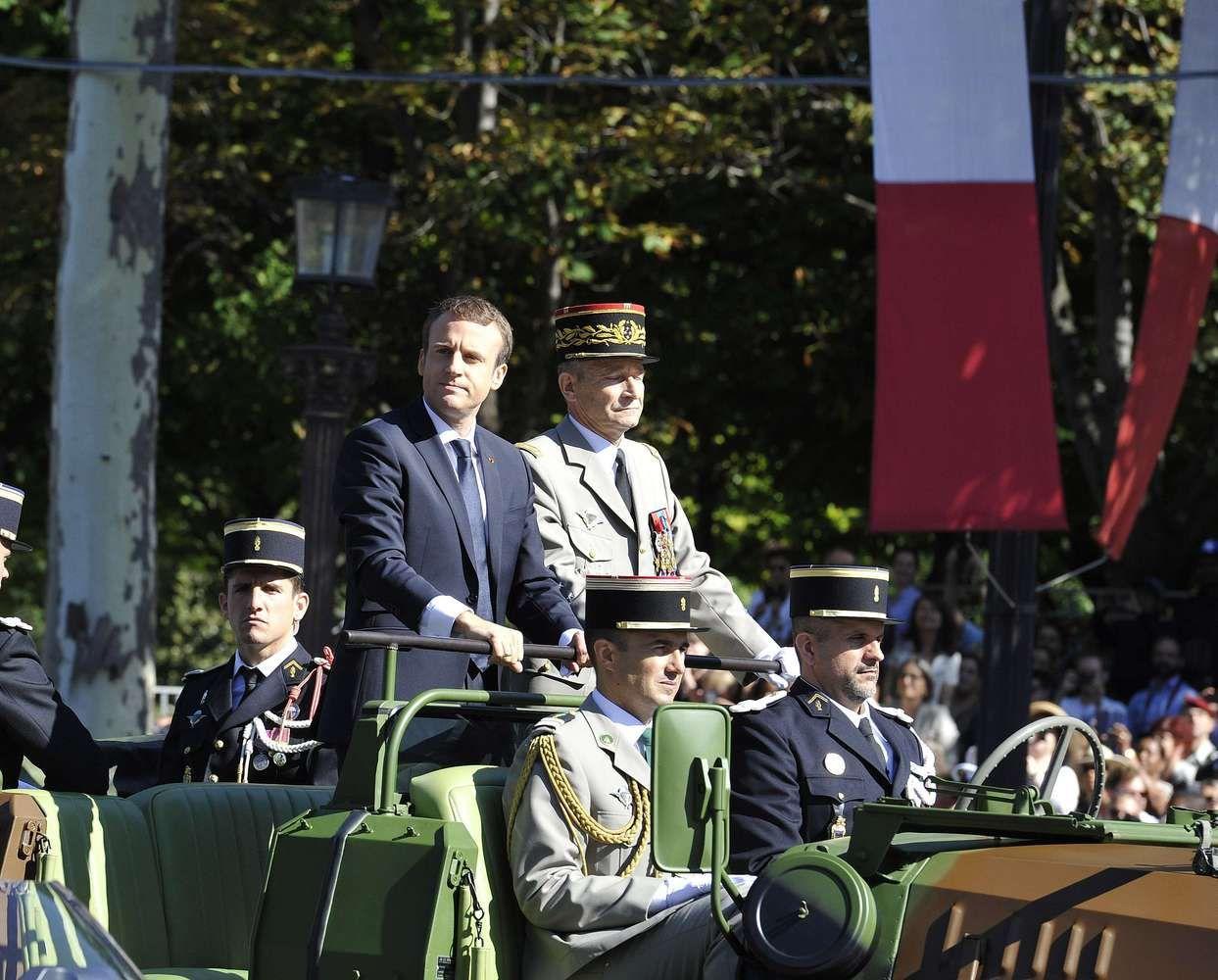 Dvikova su generolu tapo išmėginimu Macrono autoritetui