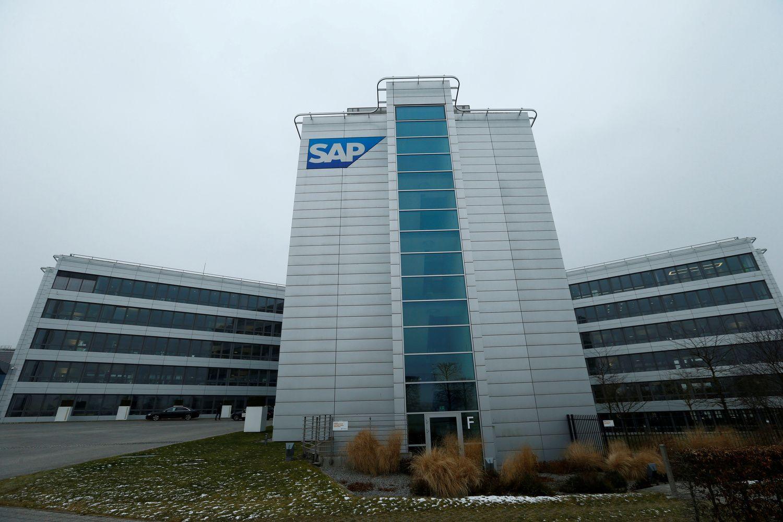SAP didina metinių pajamų prognozes