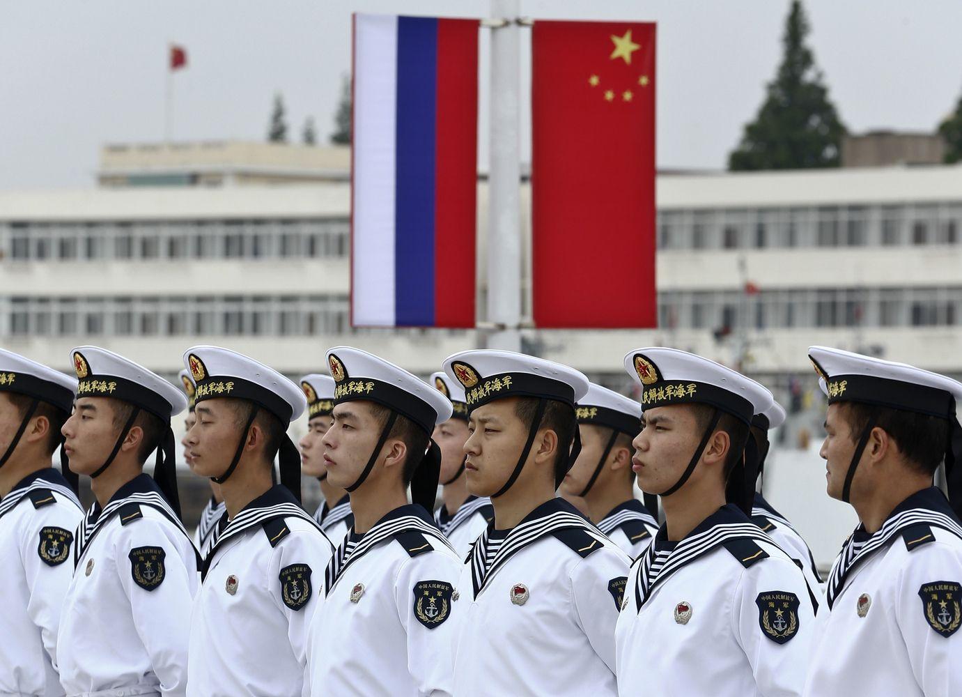 Kinijos karo laivai plaukia į Kaliningrado uostą