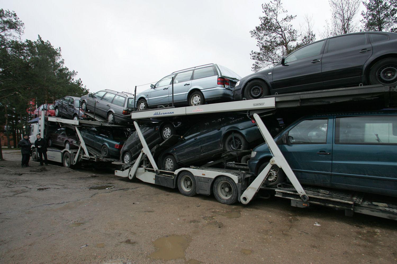 11% importuotų naudotų automobilių – atliekos