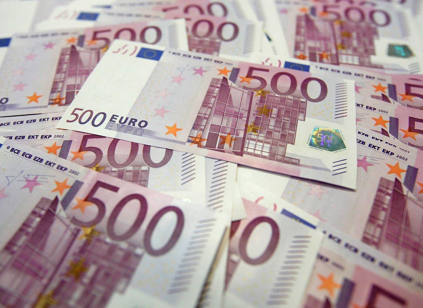 Dar du Latvijos bankai nubausti už pavedimus į Šiaurės Korėją