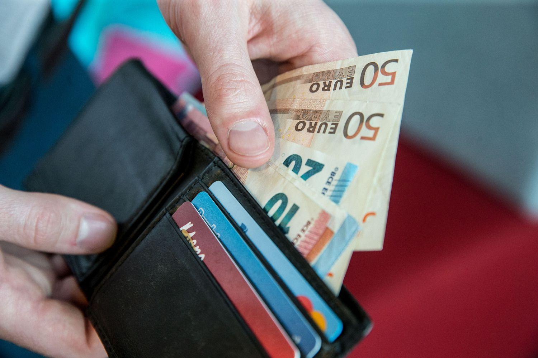 Kokias algas didžiausi darbdaviai mokėjo pirmąjį pusmetį