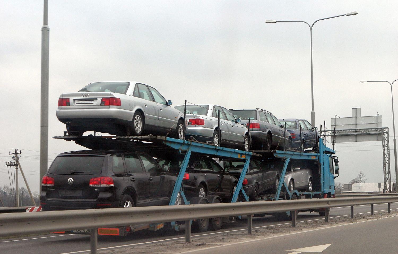 Kas devintas į Lietuvą atvežtas naudotasautomobilis – atlieka