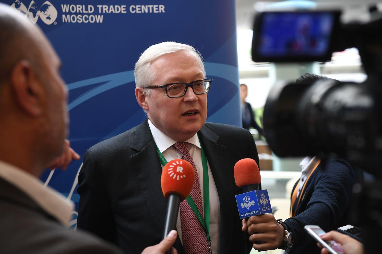 Rusijoje – įtūžio dėl naujų JAV sankcijų banga