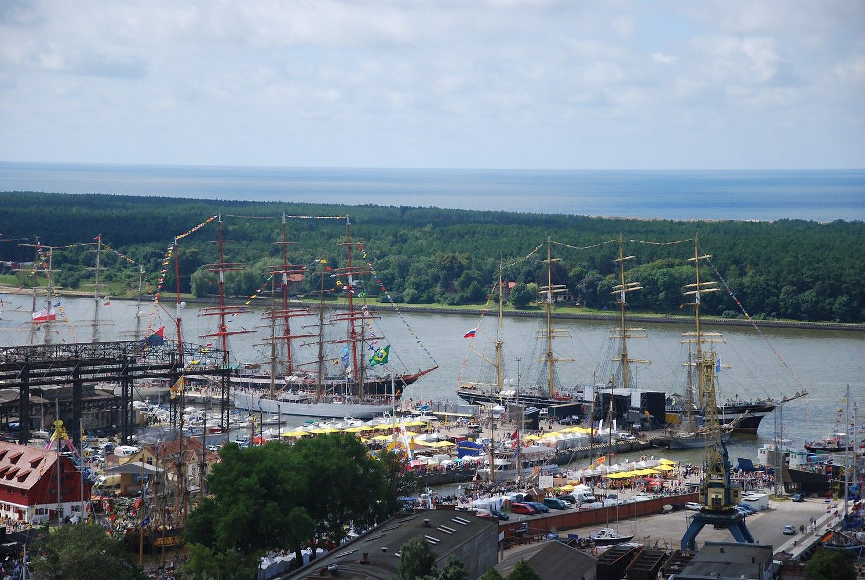 Jūros šventę puošia didžiausi pasaulio burlaiviai