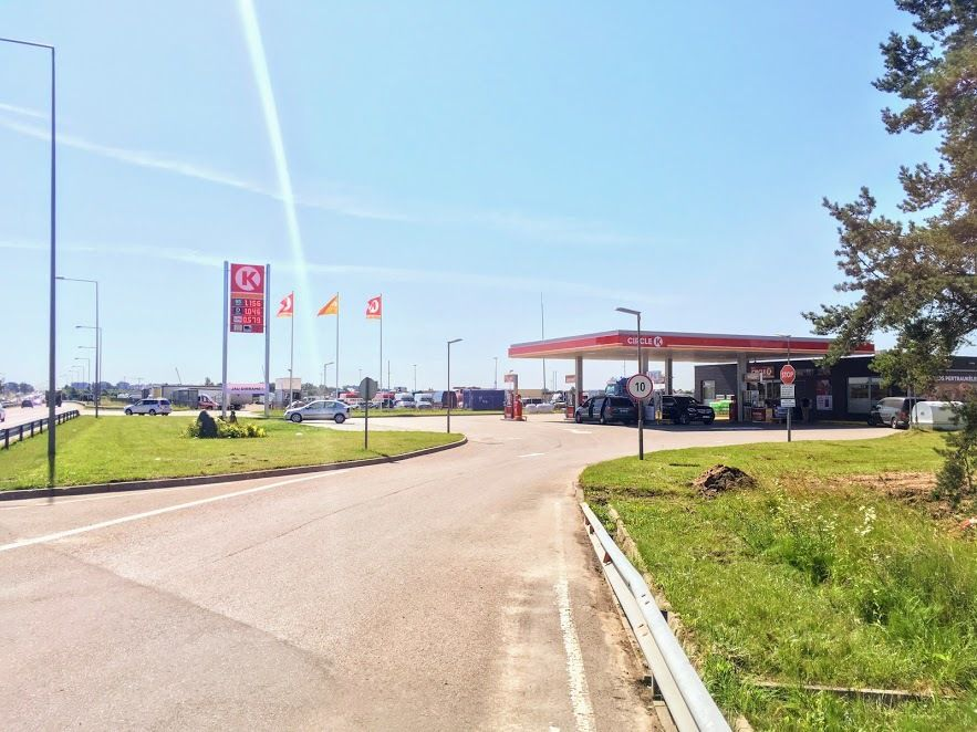"""""""Circle K"""" į degalinę šalia Tarandės investavo 2,5 mln. Eur"""