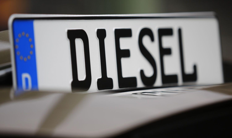 Vokietijos automobilių gamintojai stojo mūru už dyzelines technologijas