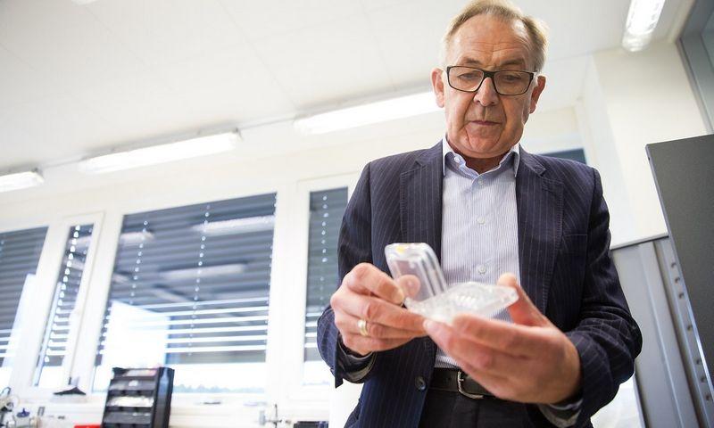"""UAB """"Šviesos konversija"""" direktorius Algirdas Juozapavičius: """"Ir mano, ir mano kolegų mentalitetas – akademinis."""" Vladimiro Ivanovo (VŽ) nuotr."""