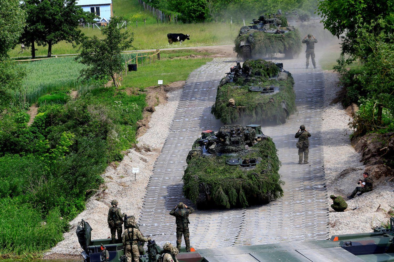 """Europos gynybos integracijai gilinti siūlomas """"karinis Šengenas"""""""