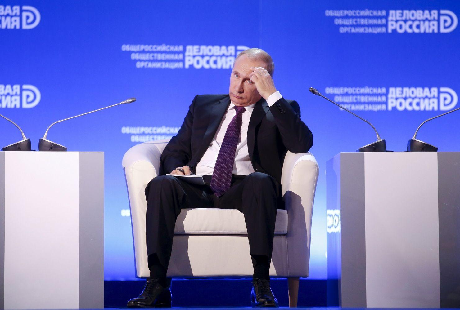 Oficialiose Rusijos ūkio prognozėse matyti tik vangi pažanga