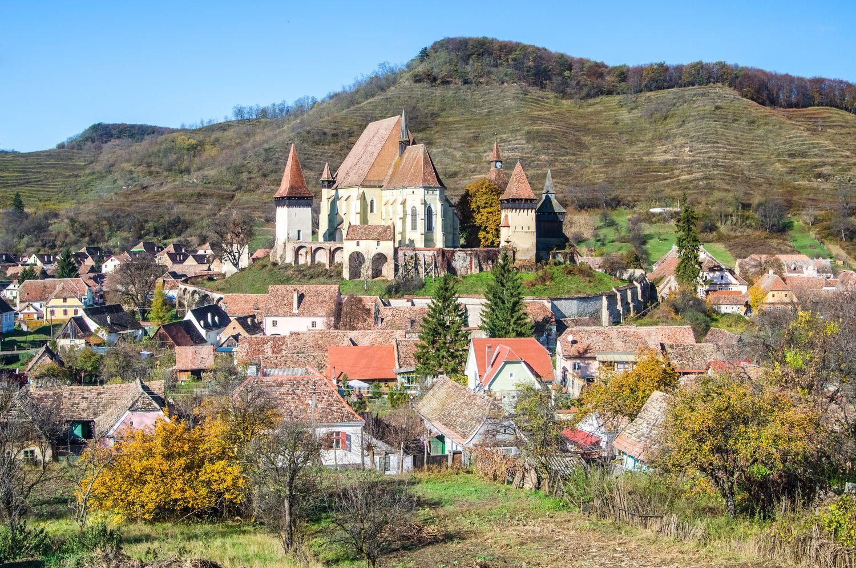 """Viduramžių Rumunijos """"santuokinio kalėjimo"""" fenomenas"""