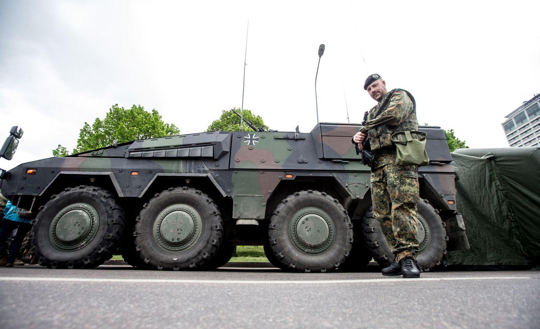 Vyriausybė imasi steigti naują karinių pirkimų agentūrą