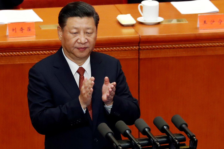 """Kinijos investicijos: vengs """"kvailų"""" pirkinių, bet apetitas įsigijimams nemažės"""