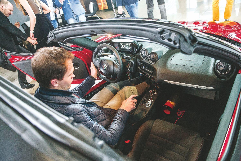 Naujų automobilių pardavėjai Lietuvoje: kas kilo, o kas krito