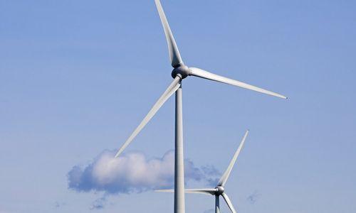 """Aukščiausios Lietuvoje vėjo jėgainės – """"Achemos grupės"""""""