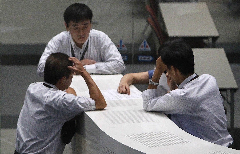Asian Shares Mixed, Korea Advances as Calm Returns: Markets Wrap