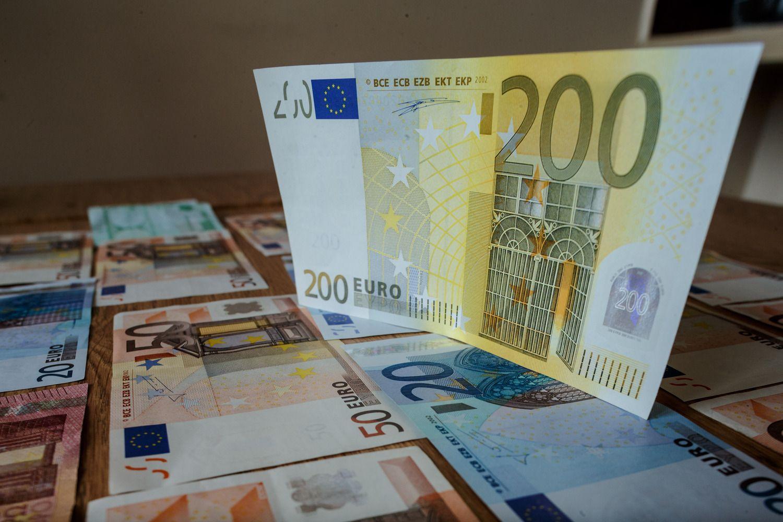 Sausį-liepą į valstybės biudžetąįkrito 153 mln. Eur daugiau nei planuota