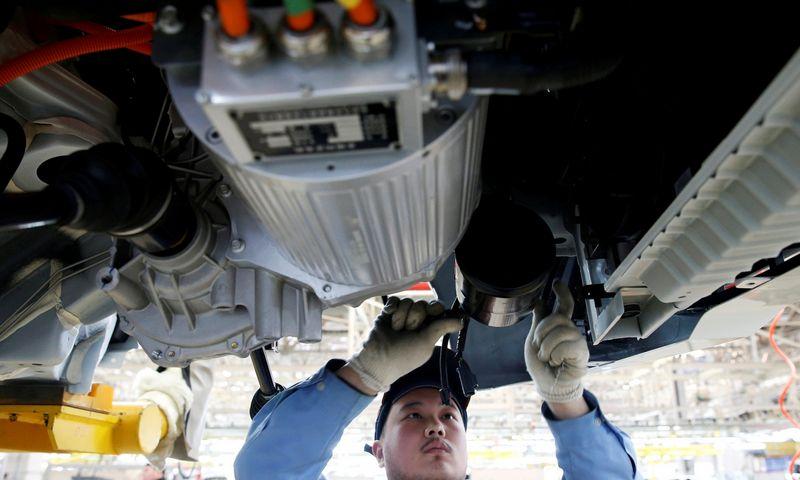 """Elektra varomi automobiliai, kaip ir autonominiai, smarkiai prisideda prie rinkoje vykstančių pokyčių. Kim Kyung Hoono (""""Reuters"""" / """"sCANPIX"""") NUOTR."""