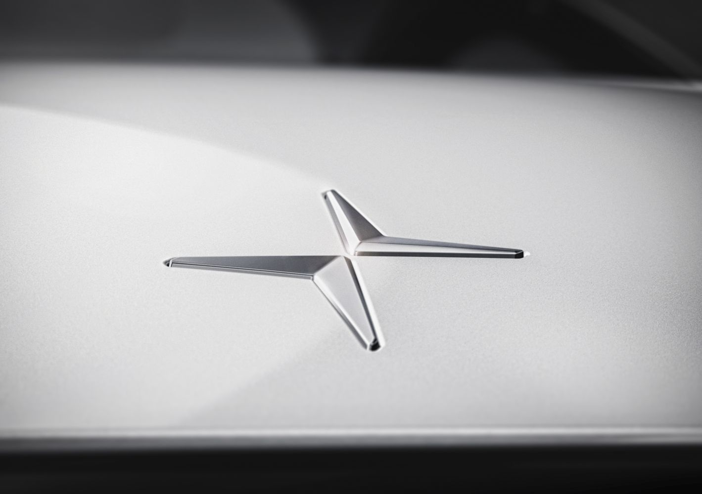 """""""Volvo"""" kuria naują elektromobilių prekės ženklą"""