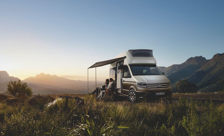 """""""Volkswagen"""" sukūrė namą ant ratų, su 2 m ilgio lova"""