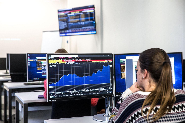 Baltijos biržos vos atsispyrė nerimui iš Vakarų
