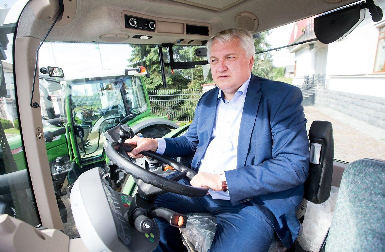 """""""Ivabaltė"""" auga – ūkininkai galingus traktorius jau perka ir be ES paramos"""