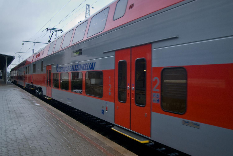 Dar keliomis minutėmis trumpėja kelionė traukiniu tarp Kauno ir Vilniaus