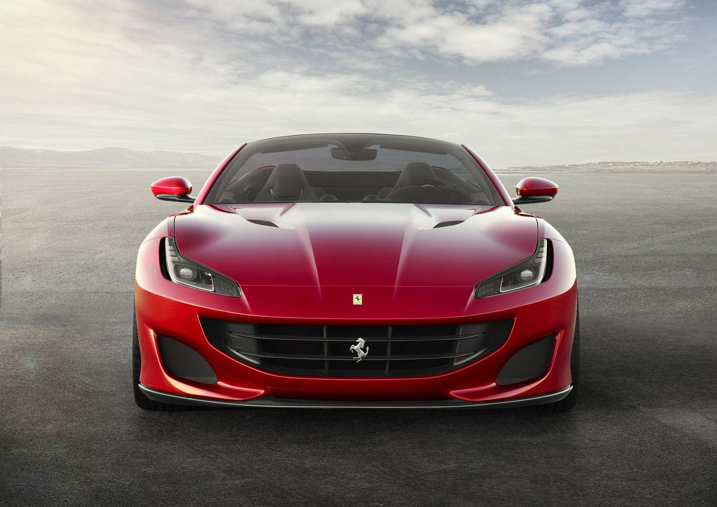 """""""Ferrari"""" pristatė naują šeimos narį – bestogį """"Portofino"""""""