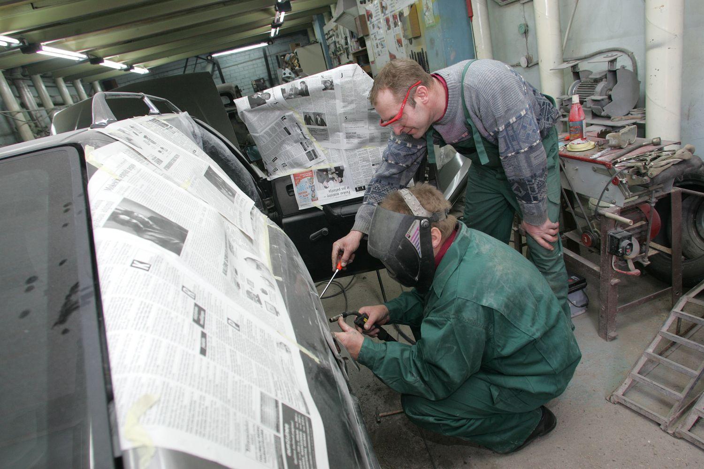 Profesinis mokymas Lietuvai kainuoja brangiau nei aukštasis