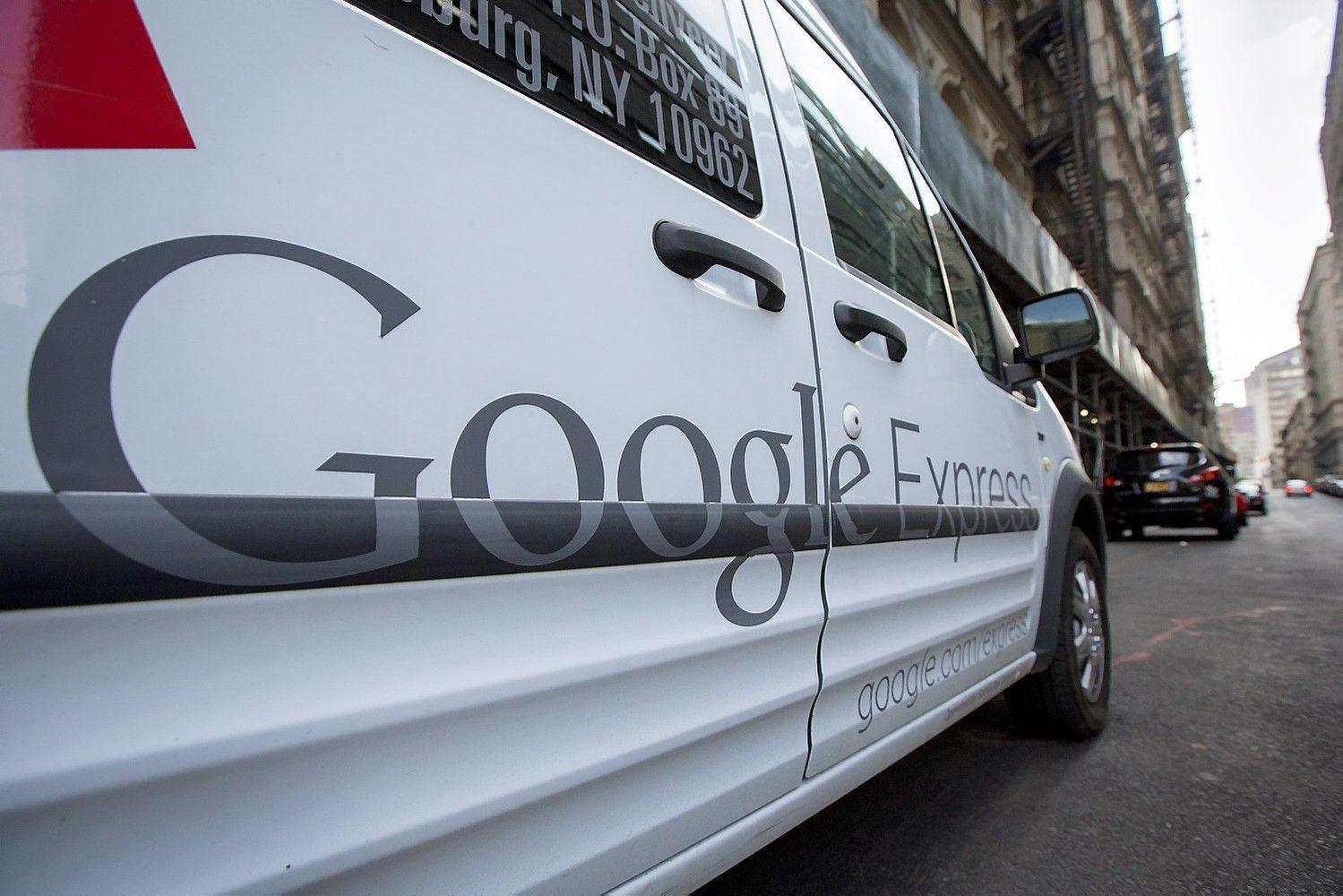 """""""Google"""" ir """"Walmart"""" jungia jėgas internetinėje prekyboje"""