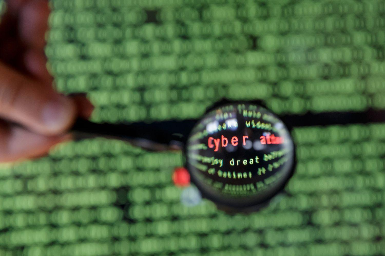 """Kibernetinių nusikaltimų """"rinka"""" aplenkė prekybą narkotikais"""