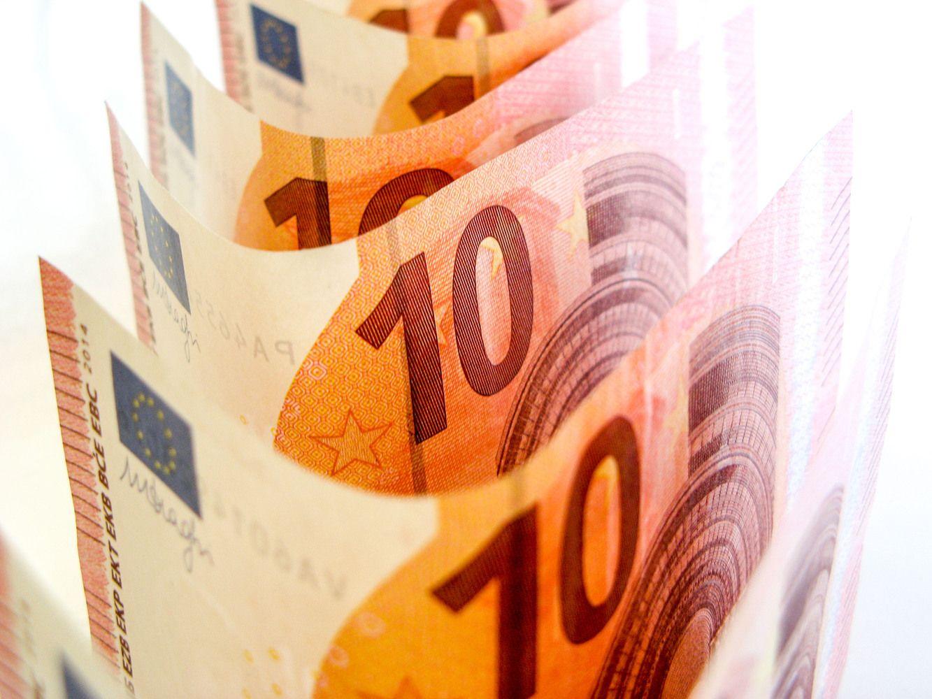 Sveriama europinių pinigų nauda