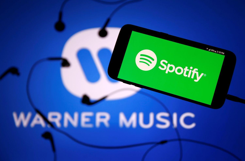 """""""Spotify"""" pasirašė sutartį su """"Warner Music"""", kelias į biržą trumpėja"""