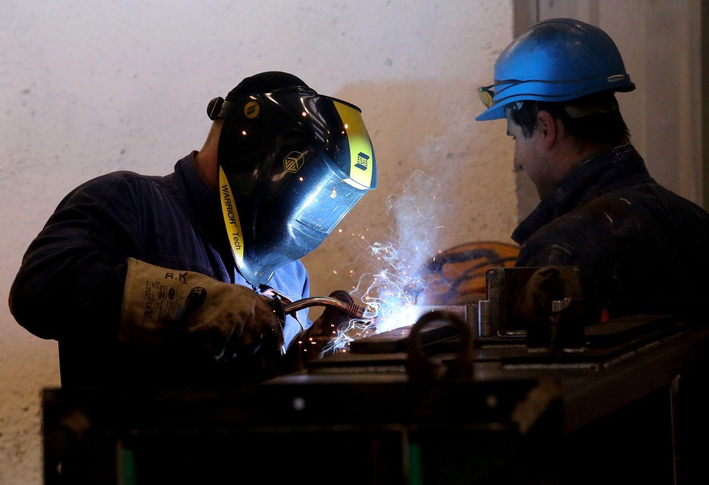 Per metus laisvų darbo vietų padaugėjo17,9%