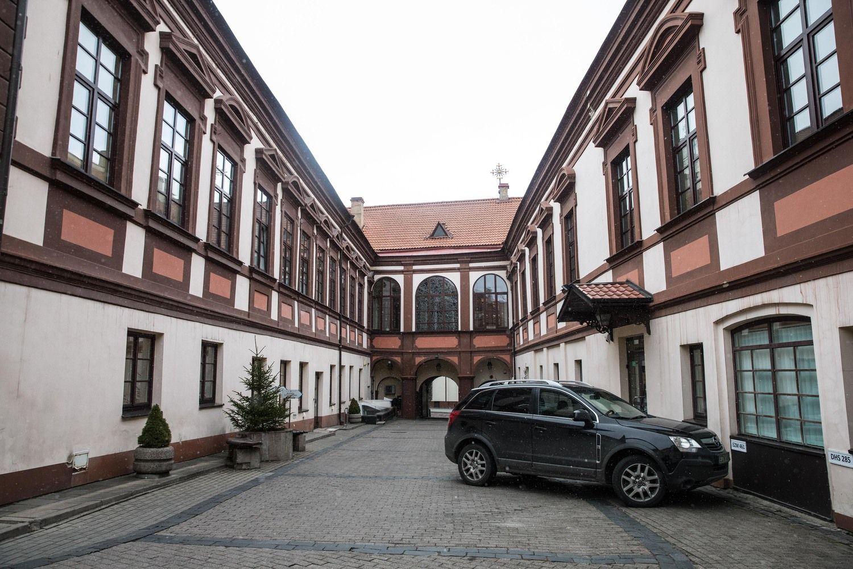 """Prokurorams skundžia """"Vilniaus vandenų"""" biuro pardavimą"""
