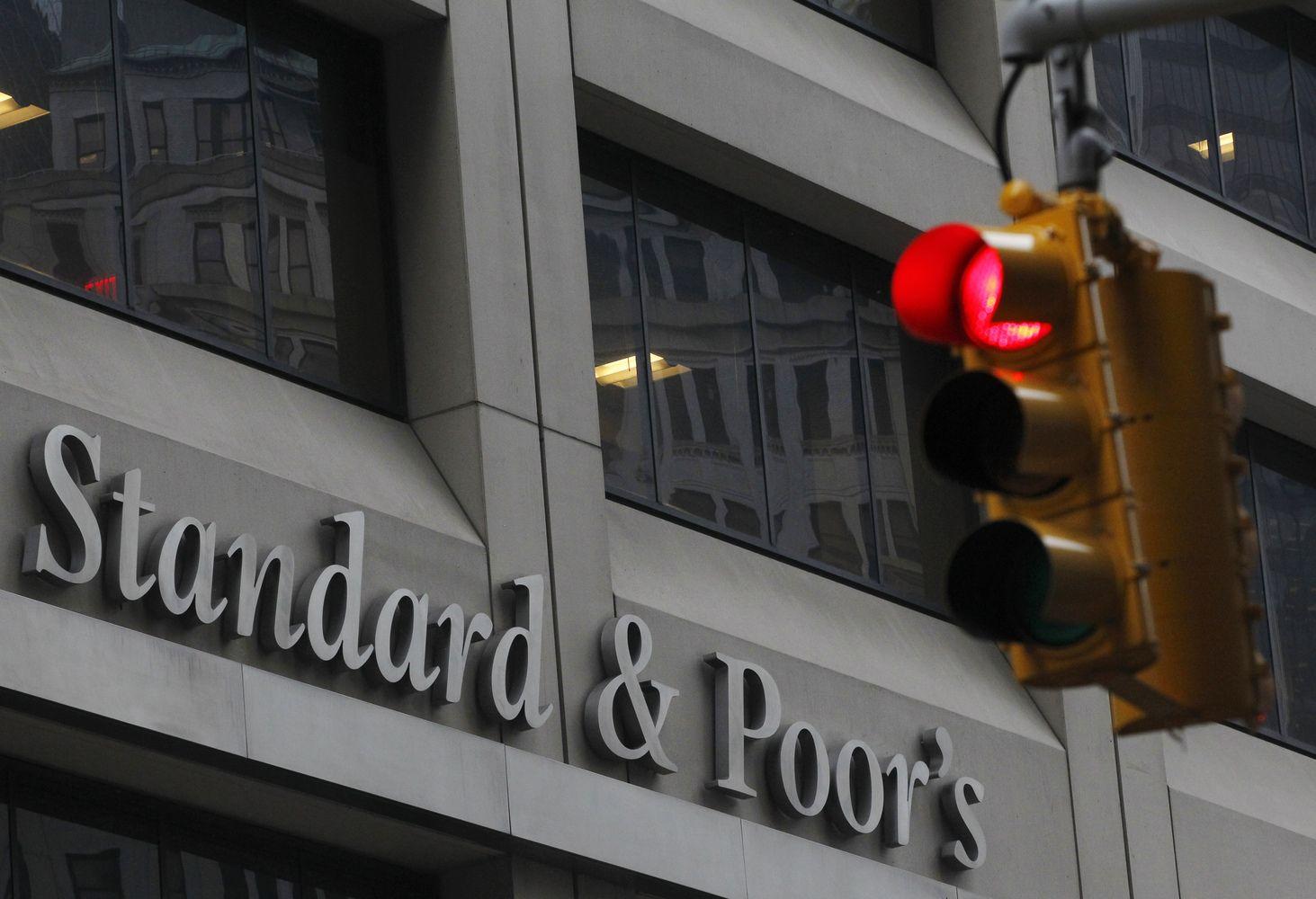 """Perspėja: JAV skoloslimito problemagali kirsti skaudžiau už """"Lehmans"""" griūtį"""