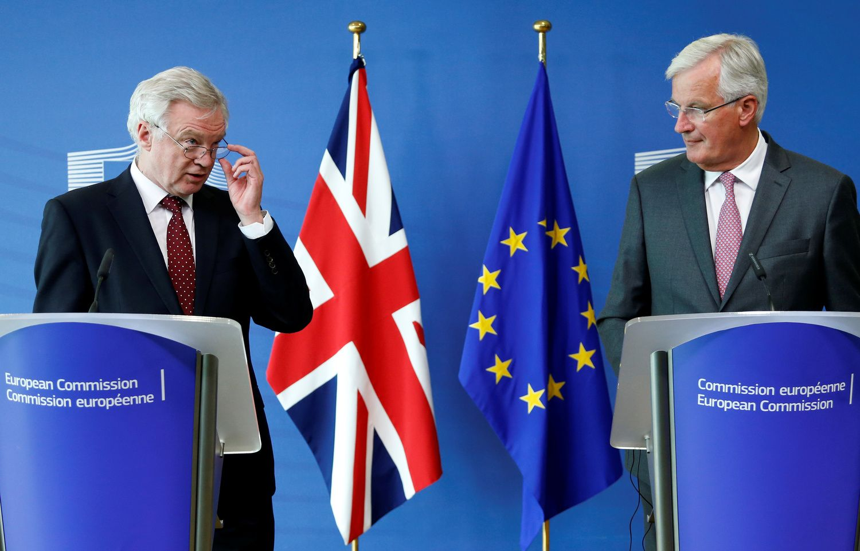 """Barnier: """"Brexit"""" derybų trečiajame etape esminės pažangos nepasiekta"""